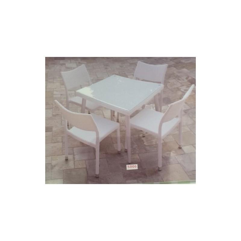 Set Completo Tavolo Quadrato 90x90 Completo Di 4 Sedie In Rattan Bianco Nonsolopoltrone